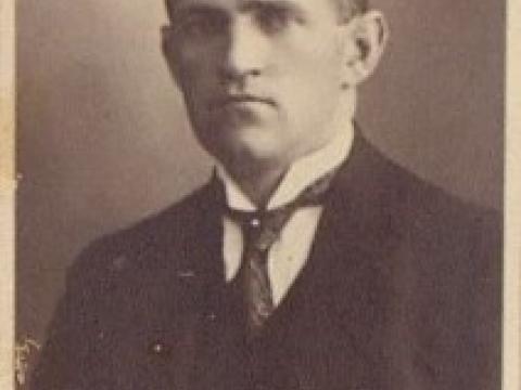 Cēsu pilsētas galva (1922-1933) Kārlis Vanadziņš, nama Rīgas ielā 15 īpašnieks, foto 1924.g. - CM 114561
