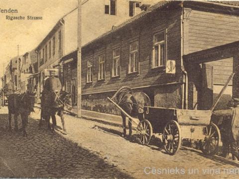 Cēsis, Rīgas iela un nams nr. 39, 20. gs. sākums