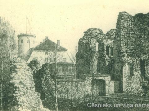 Cēsu Jaunā pils un pilsdrupas 20. gs. sākumā