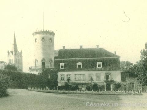 Grāfa Emanuela Zīversa ģimenes dzīves vieta - Cēsu Jaunā pils 20. gs. sākumā