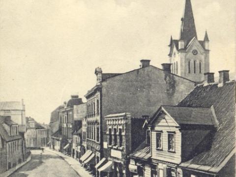 Cēsis, Rīgas iela . Pastkarte nosūtīta 1916.g. 29. martā; T. Pumpuriņa kolekcija