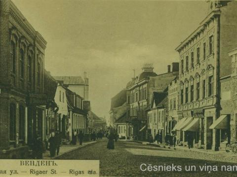 Cēsis, Rīgas iela 20. gs. sākumā: nams Rīgas ielā 9